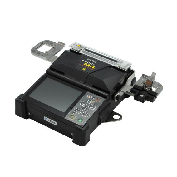 ドロップ対応4心融着接続機(NJ001M4D) 1